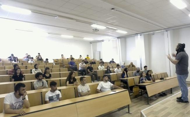 Liseli öğrenciler üniversite hayallerinin provasını yaptı!