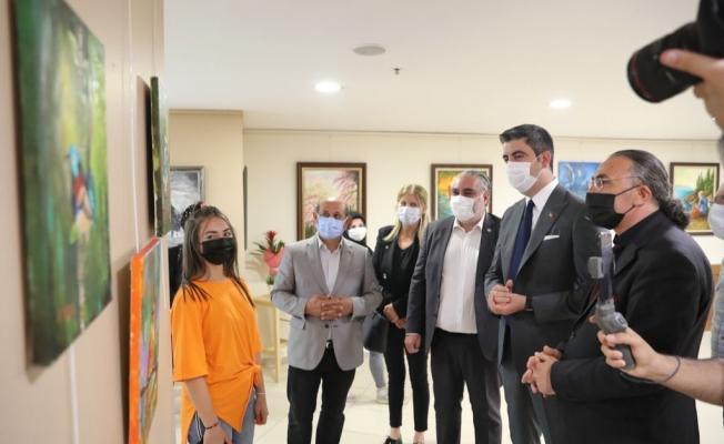 Pandemi Günlerine Renk Katanlar Sergisi Kartal'da Ziyarete Açıldı