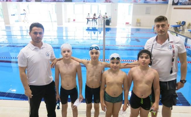 Yüzme yarışlarının ilk gününde Bağcılar'a yedi madalya