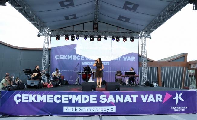 Küçükçekmece'de Zeynep Bakşi Karatağ'dan Müzik Ziyafeti