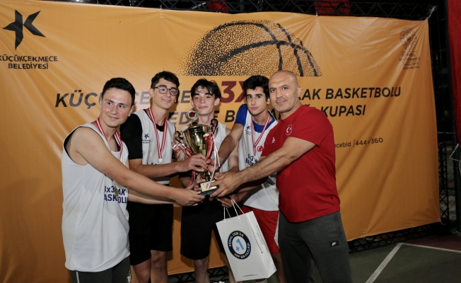 Küçükçekmece'deki 3*3 Sokak Basketbolu Turnuvalarında Kıyasıya Rekabet