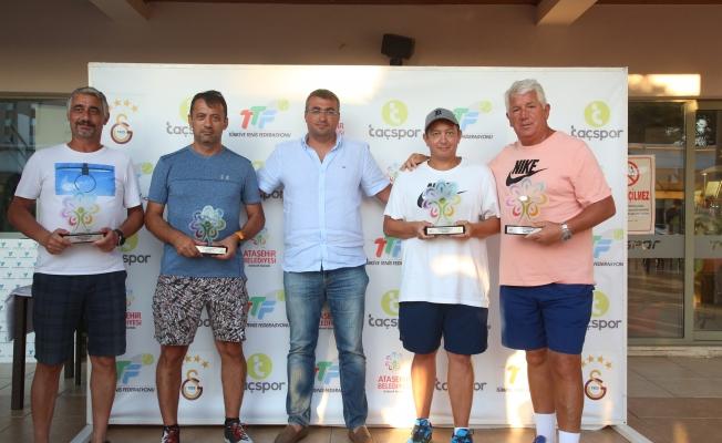 Ataşehir Belediyesi Başkanlığı 1. Senyör Tenis Turnuvası Sona Erdi
