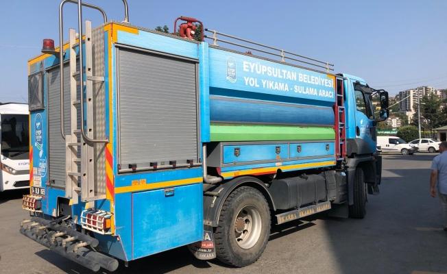 Eyüpsultan Belediyesi'nden Yangına Basınçlı Su Tankeri Desteği