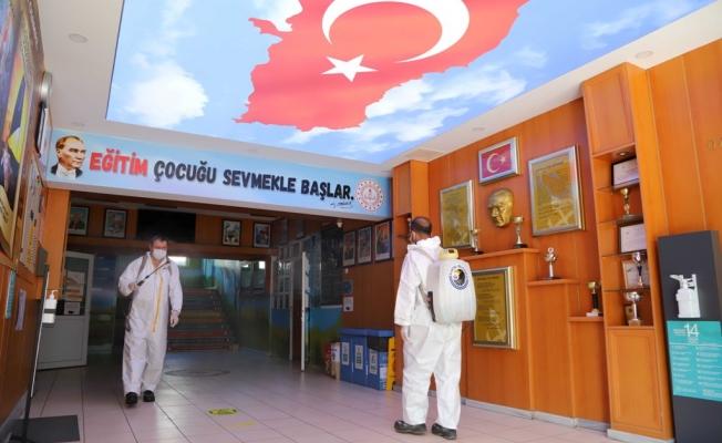 Kartal'da Yüz Yüze Eğitim Öncesi Temizlik ve Hijyen Çalışmaları Başladı