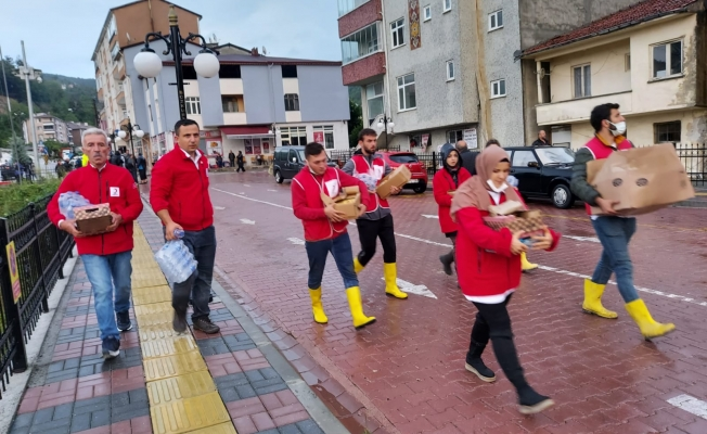 Kızılay Batı Karadeniz'de Sıcak Yemek Vermeye Başladı