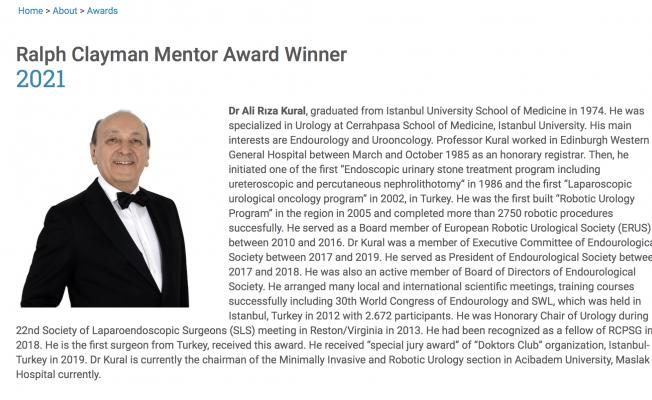 """Dünya Endoüroloji Derneği'nden Prof. Dr. Ali Rıza Kural'a """"Yılın Eğitmeni"""" Ödülü"""