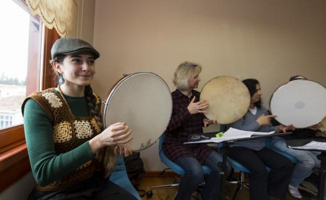 Eyüpsultan Geleneksel Sanatlar ve Musiki Akademisi başvuruları başladı