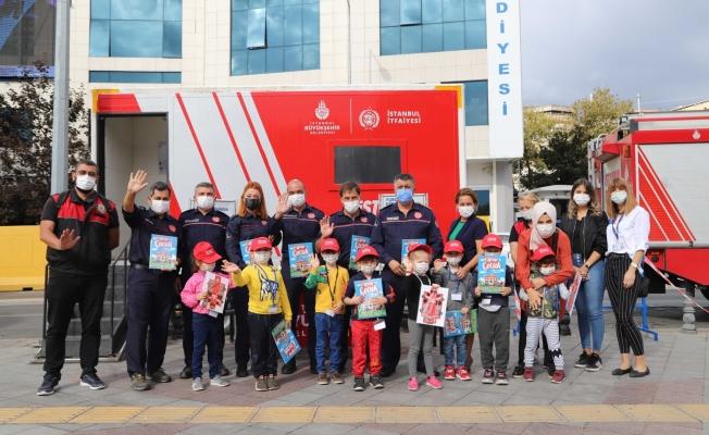 İstanbul İtfaiyesi'nden Kartallı Minik Öğrencilere Yangın Eğitimi