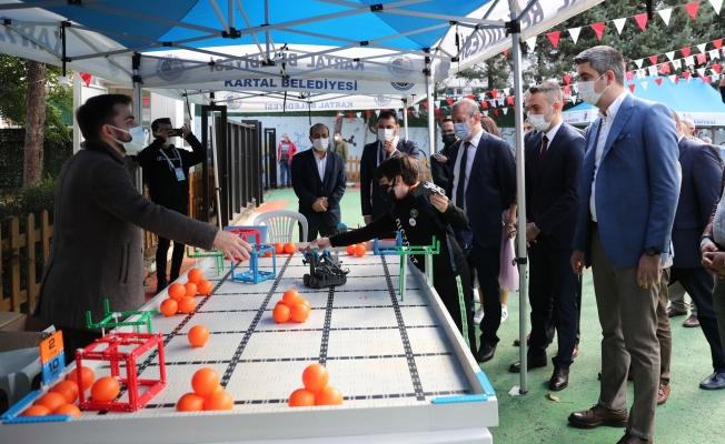 Başkan Gökhan Yüksel Bilim Ve Robot Şenliği'ne Katıldı