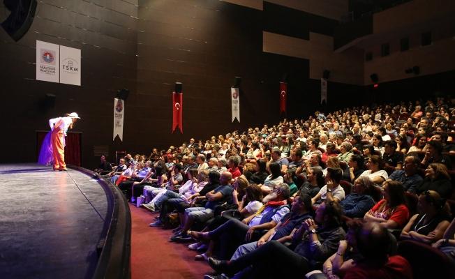 Maltepe'de Tiyatro Festivali Genco Erkal İle 'Perde' Diyor