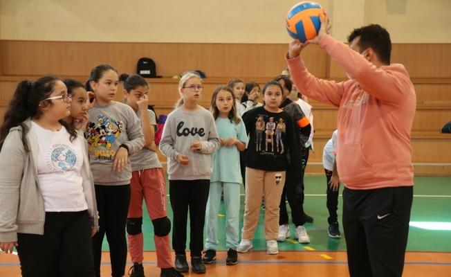 Zeytinburnulu Gençler 'Kış Spor Okulları'nda…