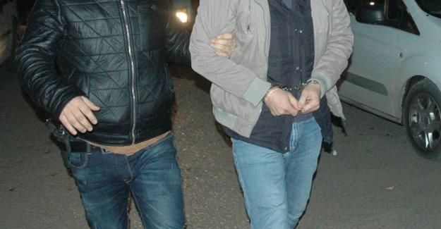 8 ilde operasyon: 3'ü emniyet müdürü 27 polis gözaltında