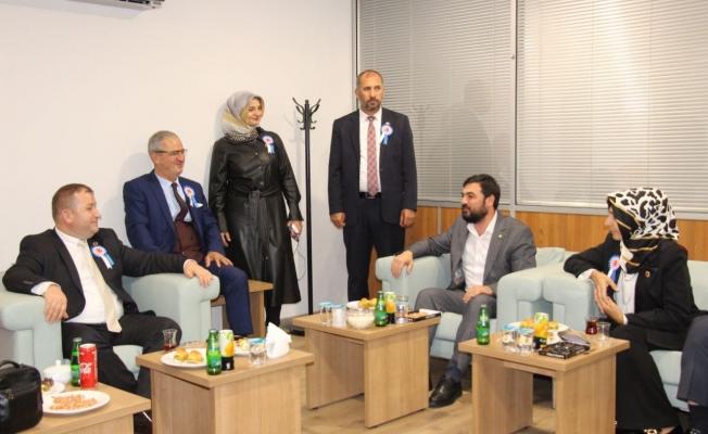 HÜDA PAR İstanbul İl Başkanlığı Muhtarları ziyaret etti