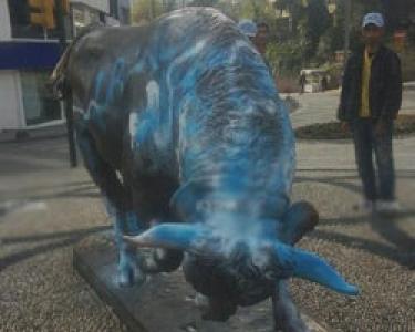 Kadıköy'ün boğasını Lazio'lu yaptılar