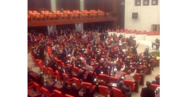 MHP ve HDP Bu Dönem İlk Kez Beraber El Kaldırdı