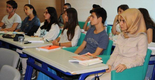 Sarıyer Akademi'de ilk ders başladı.