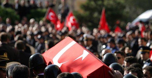 Sultanbeyli Belediyesi Başkanı, şehit ailelerini ziyaret etti