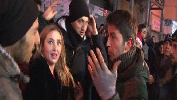 Taksim'de tacizciler yine iş başında!