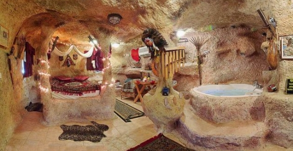 Tatlıses'in Doğduğu Mağaraya Ziyaret