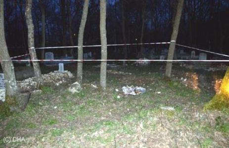 Tekirdağ'da Mezarlıkta Bebek Cesedi Bulundu