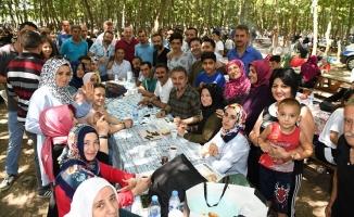 Başkan Alatepe vatandaşın piknik sofrasında