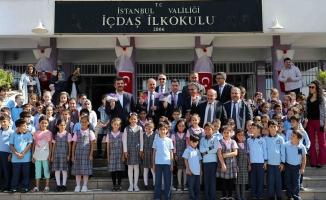Bağcılar'da çalan zille 153 bin 515 öğrenci ders başı yaptı