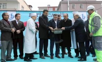 Kentsel dönüşümle yıkılan Fetih Camii'nin temeli atıldı