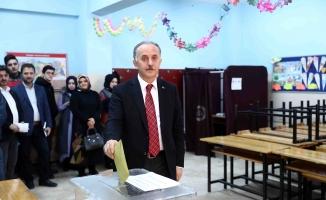 İstanbul'da AK Parti'nin en çok oy alan adayı 229 bin 229'la Lokman Çağırıcı oldu