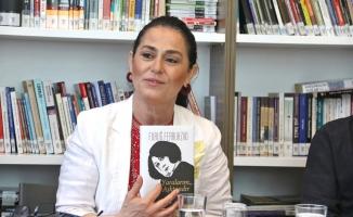 """Nazan Kesal 8 Mart Kadınlar Günün'de  Ataşehir'de """"Yaralarım Aşktandır"""" Dedi"""