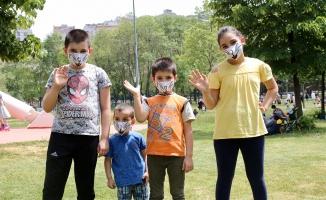 Kağıthane Belediyesi Halka 2 Milyon Maske Ve Kolonya Dağıttı