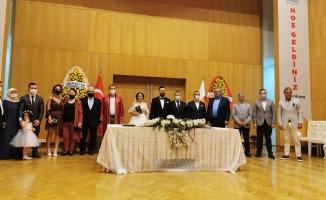 Burcu ve Cihan'ın Nikahını Başkan Arısoy Kıydı