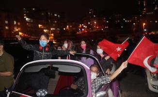 Kartal'da Cumhuriyet Bayramı Arabalı Konser ile Kutlandı