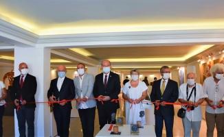 KKTC Cumhurbaşkanı, Kıbrıs Modern Sanat Müzesinde İki Serginin Açılışını Yaptı