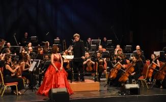 """CRR Senfoni Orkestrası """"Masallar"""" ile İstanbulluları Büyüledi"""
