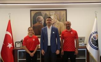 Olimpiyatlarda madalya kazanan Buse Naz Çakıroğlu;ndan Başkan Gökhan Yüksel;e ziyaret