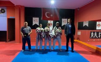 İşitme engelli sporcular Maltepe'nin gururu oldu