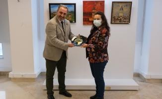 Pandemiden yansıyan tablolar Türkan Saylan'da