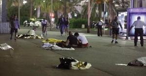 Dünya'dan Fransa'daki Terör Saldırısına Tepkiler