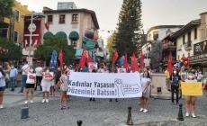 Kadınlar Azra Gülendam Haytaoğlu İçin Antalya'da Bir Araya Geldi